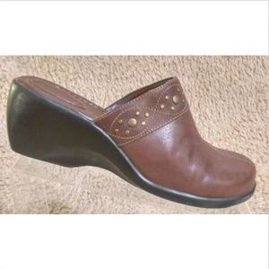 Clarks Women's Brown Leather Jeweled Mules 8.5 M